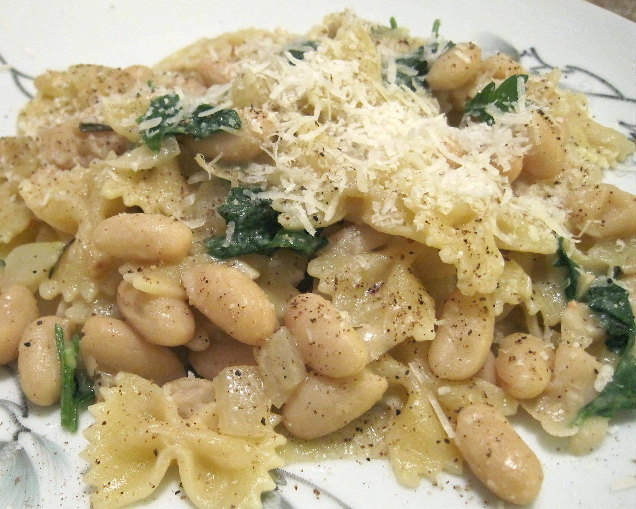 farfalle with cannellini beans parsley and parmesean