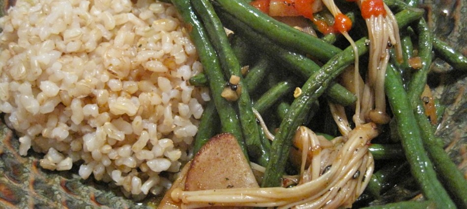chinese long bean stir fry dinner with brown rice and Enokitake mushrooms